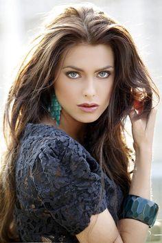face, hair colors, eye makeup, long hair, lip colors, green eyes, beauti, brunette hair, bold colors