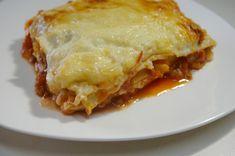 Venezuelan lasagna (pasticho)  http://www.mamacontemporanea.com/receta-de-pasticho-venezolano-con-salsa-bechamel-en-video