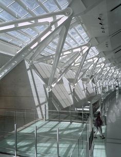 Lester Pearson International Airport,Toronto, Canada. By Moshe Safdie and Associates,