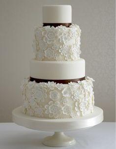 Daisy Lace Wedding cake