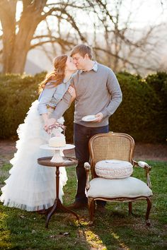 In LOVE with this photo shoot.....I want to do something like this for our anniversary photos!