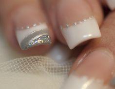Uñas acrílicas decoradas para boda / Wedding nails  Más trabajos en http://www.facebook.com/patriciajimeneznails #nails #nailart #nailpolish #uñas #manicura #manicure #wedding #boda #bodas #novias #novia #uñasdeboda #weddings #uñasideas #weddingnails