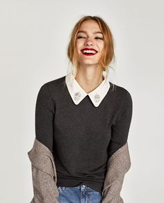SWEATER WITH REMOVAB