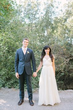 bride and groom style #brideandgroom #weddinginspiration #weddingchicks http://www.weddingchicks.com/2014/01/31/vintage-barn-wedding-2/