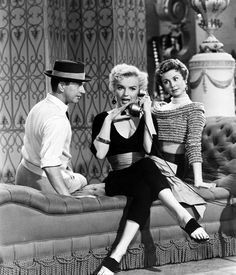 Donald OConnor, Mitzi Gaynor and Marilyn Monroe in Theres No Business Like Show Business