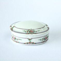 FEMININE //// Vintage Porcelain Jewelry Box by PortugueseVintage, $6.40