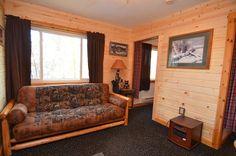 Living Room http://clamlakewi.com/bearcabinrentallowerclamlakewi.htm