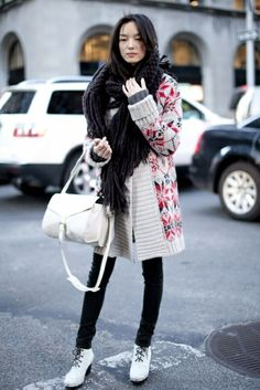 Cardigan, bulky scarf
