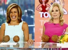 KLG, Hoda left behind from TODAY's Hawaii trip, go coconuts