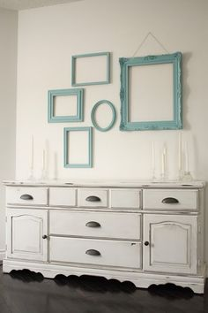 Love those empty teal frames... beautiful!