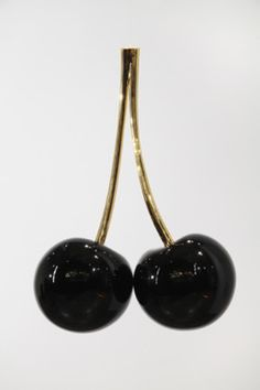 black cherries: a flavor I like in my red wine
