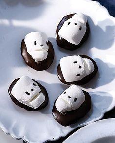 Samain:  #Marshmallow #Skull #Madeleines, for #Samain.