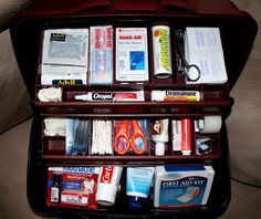 First Aid Kit in Tackle Box with list of what to include. // this would be way better than my current disorganized tub.
