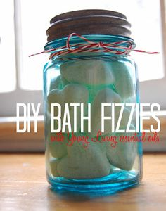Mama Marcie: DIY Christmas Gifts - Bath Fizzies Using Young Living Essential Oils