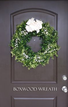 Boxwood Wreath on kl
