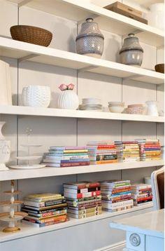 horizontal books.
