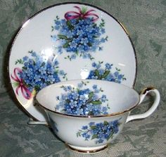 Forget-me-not tea cups