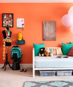 Coral walls bedroom on pinterest - Habitaciones color naranja ...