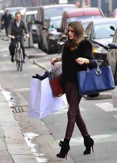olivia-palermo-shopping by tenditrendy, via Flickr