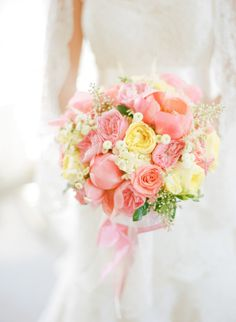 Pinks and yellows make the perfect summer bouquet #bouquet