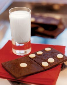 We know that Santa will just go crazy over these Chocolate Domino Cookies!