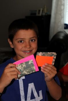 duct tape wallet how to - fun for the kids!