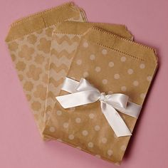 Patterned Kraft Merchandise Bags - Perfect Little Bags to Give Out Party Favors in! #kraftbags #favorbags #partyfavoridea