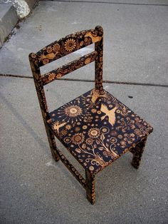 Beautiful piece of pyrography work - put in Craft Ideas, but ha!, who am I kidding?!