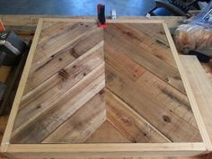 HOW TO MAKE PALLET WOOD PATIO TABLE