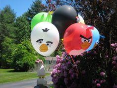 Convierte sencillos globos de látex en una preciosa decoración para tu fiesta Angry Birds / Convert simple latex balloons in a cool decoration for your Angry Birds party