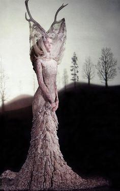 costum, alexander mcqueen, model, fashion, antler, dresses, the dress, horn, alexand mcqueen
