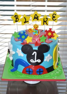 Mickey Mouse Clubhouse Cake @Krystal Spaulding-Hake can you make this for my blakes bday