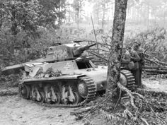 Captured French Hotchkiss H-39 Light Tank #worldwar2 #tanks