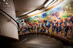 paris #subway #underground #urban #architecture #stairs #graffiti #metro