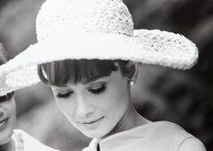 Audrey audrey darl, paris, beauti audrey, celebrityaudrey hepburn, icon audrey, 1962, audreyhepburn, inspir peopl, hat
