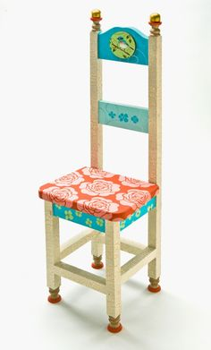 This Whimsical Chair was created using Folkart acrylic paints. #paint #crafts #chairs