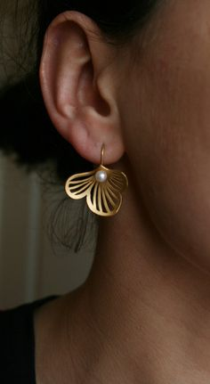 Flourish Sterling Silver gold-plated pearl earrings
