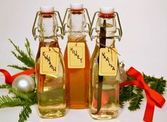 HOLIDAY COCKTAILS: How to Make Simple Syrup | Perfect gift for your cocktail-loving friends | @Gidget and LaRue