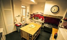 27 Incredible Hostels for Food