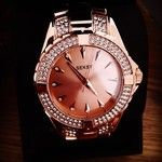 Love my new watchemoji #seksy #watch #rose #gold #diamonds #in#love #instafashion #instastyle #H.Samuel