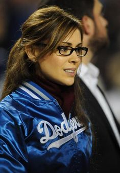 Alyssa Milano...glasses