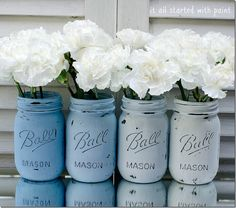 Ombre blue painted and distressed mason jars #masonjars #masonjarcraftslove