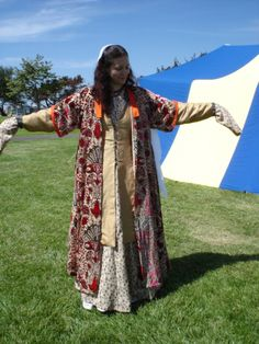 I Got Pinned! One of my favorite costumes I've made ever. Need to do an overhaul. Vairavi - Early Mughal Garb