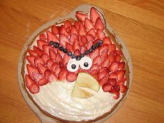 Angry bird fruit pizza