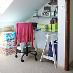 Small home office ideas – stir creativity no matter how tight the space