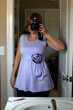 Big ugly tshirt refashion. Tagged as maternity, but I think it'd work for everyday. \ #TShirt #Refashion #Reconstruct #Repurpose #Revamp #Recreate #Reuse #Redo #Recycle #Makeover #Upcycle #DIY #TShirtFashion #Fashion #Style