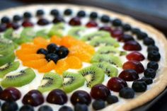 Classic fruit pizza. A pretty dessert that is easy to make and a crowd pleaser. Perfect for your 4th of July celebration. Please repin!