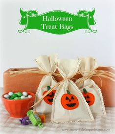 Halloween Treat Bags | A Spoonful of Sugar