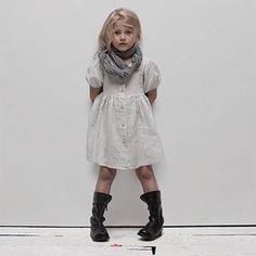#vestido #niña #estilo #elegante #dress #girl #style #elegant #robe #fille #élégant #mode #fashion #Little #fashionista #kids #Street #style #cool #look #formal #wear