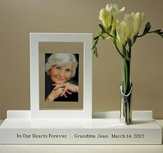 Memorial at Wedding memori, white roses, weddings, photo displays, bouquets, candl, picture frames, display stands, pictur frame